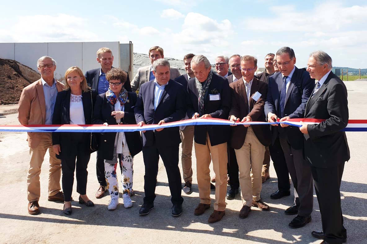 Des représentants de la politique, des banques et de l'opérateur de réseau ont accepté l'invitation de SAS Ferti Oise.